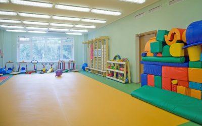 Выбираем напольное покрытие для спортзала в детском саду: нормы и правила