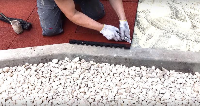 Укладка модульной резиновой плитки