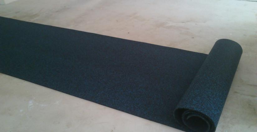 Укладка рулонного резинового покрытия: основные этапы
